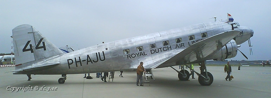 DC-2 NC39165 (c/n 1404), målad som PH-AJU, i Hamburg den 14 september 2007. Foto: Jan Gladh, dc-3.se.